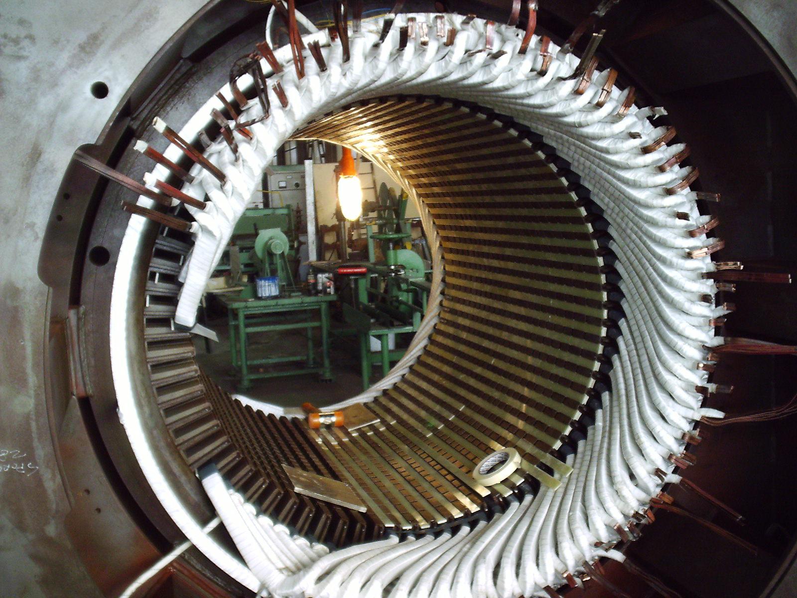 RIAVVOLGIMENTO MOTORE V 6000 MW 3